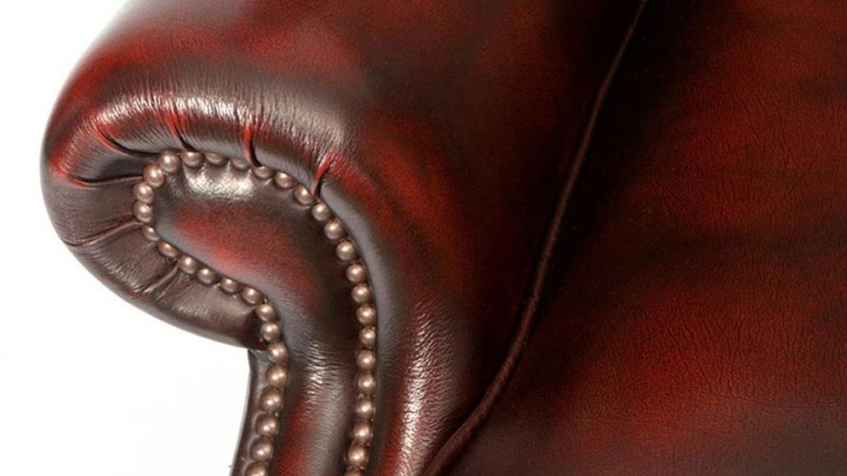 Chesterfield Scroll Chair